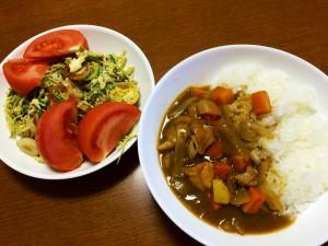 チキンカレー、ちくわと水菜の玉子とじ